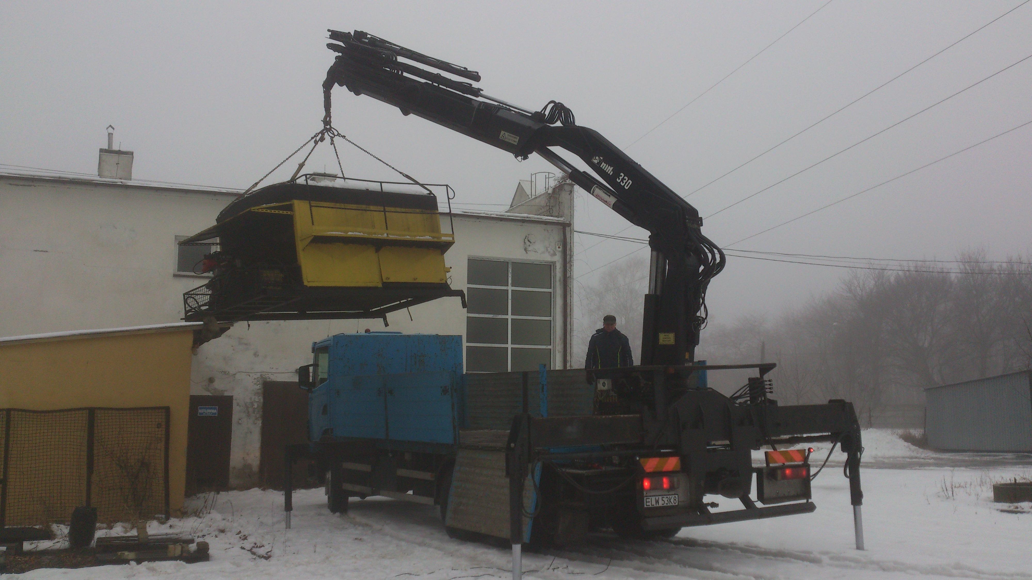 Transport sprzętów budowlanych